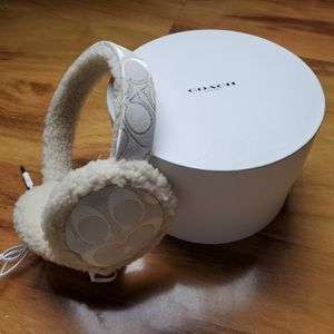 COACH Earmuffs Wired Ivory and Gift Box